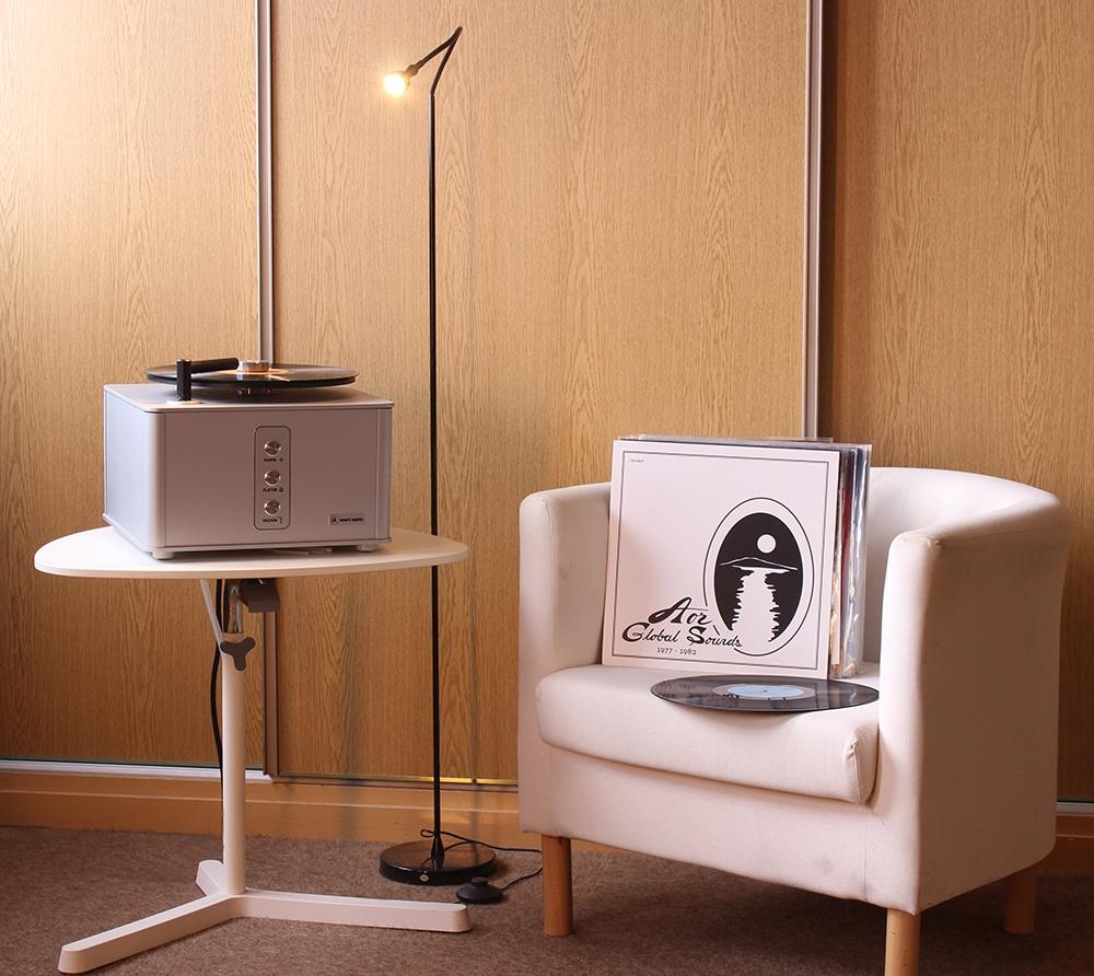 Machine à laver les disques Clearaudio dans l'Auditorium Hi-Fi Rennes