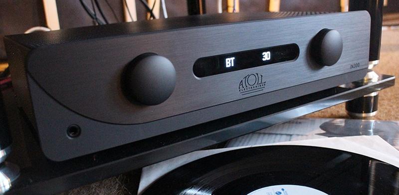 Amplificateur intégré Atoll IN300 dans Auditorium HiFi Rennes